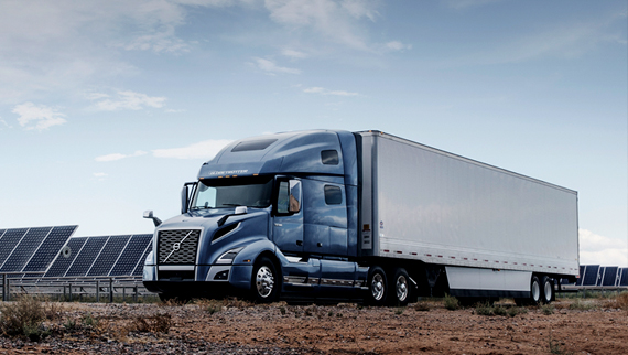 Volvo Trucks VNL carrying a container - Innovation