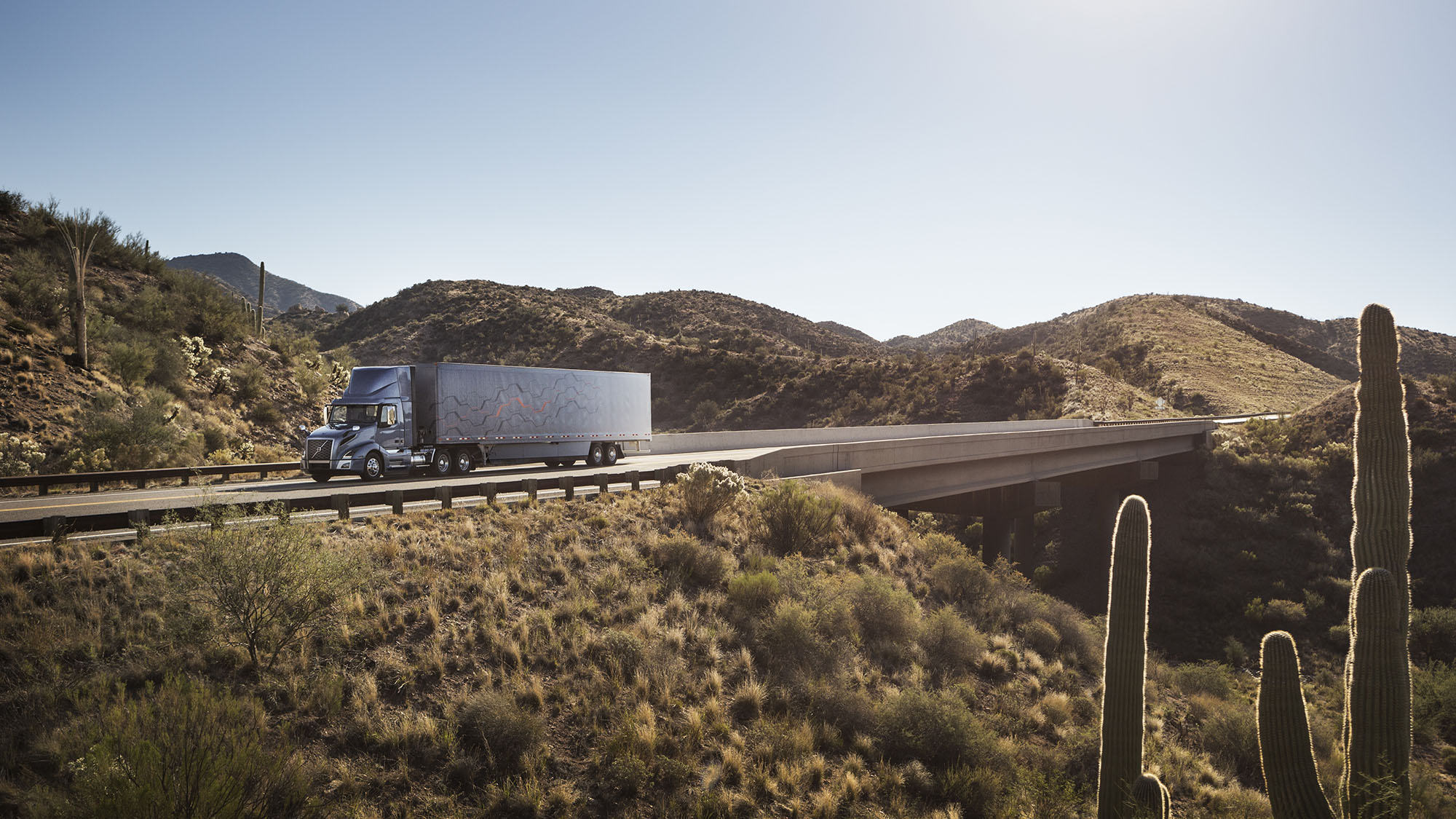Volvo Trucks VNL - Know the Road Ahead