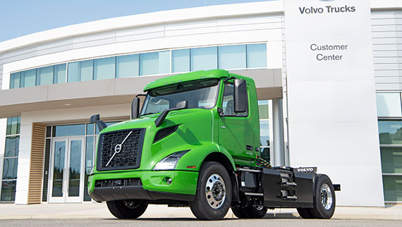 Volvo-Trucks-Manhattan-Beer-VNR-Electric-First-Commercial-Purchase-570x322