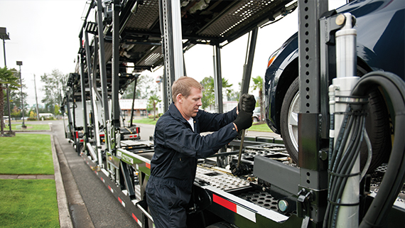 a person working at Volvo Trucks VAH
