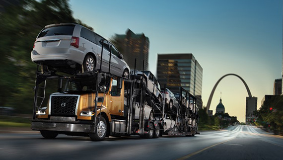 Volvo-Trucks-Auto-Hauler-VAH carrying cars-570x322