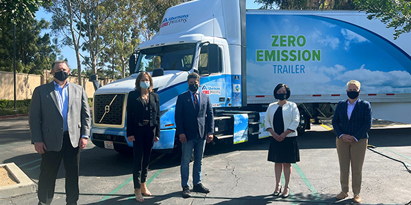Albertsons-Zero-Emission-Grocery-Delivery-Volvo-VNR-Electric-Group-Shot